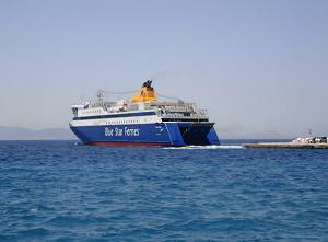 Ferries and speed boats to Naxos and the Greek Islands