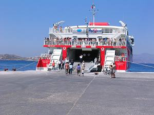 Ferries and speed boats to Naxos